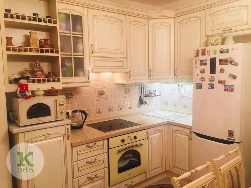 Кухня белая с золотом Фирма артикул: 000596293